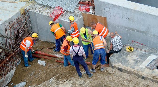 ryzyko zawodowe na stanowisku pracy pracownik budowlany
